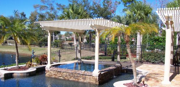 Freestanding Lattice Pergola